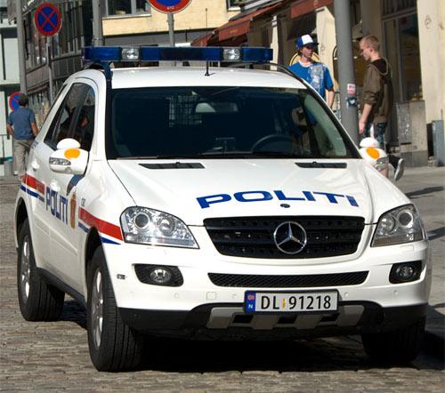 NORSK POLITIBIL | NORWEGISCHEN POLIZEIFAHRZEUGE| NORWEGIAN POLICE CAR| Foto: Diskusjon.no