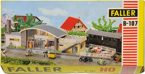 107 FALLER | SEEBRUCK | BAHNHOFSTATION | TRAIN STATION | TOGSTASJON | Foto: 0rvik