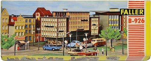 296 FALLER | H0 GEBÄUDE FÜR DER STADT MODELLBAHN | HO BUILDINGS FOR AN URBAN MODEL RAILROAD | 1:87 BY-BYGNINGER TIL MODELLJERNBANEN | Foto: 0rvik