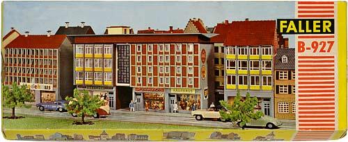297 FALLER | H0 GEBÄUDEFÜR DER STADT MODELLBAHN | HO BUILDINGS FOR AN URBAN MODEL RAILROAD | 1:87 BY-BYGNINGER TIL MODELLJERNBANEN | Foto: 0rvik