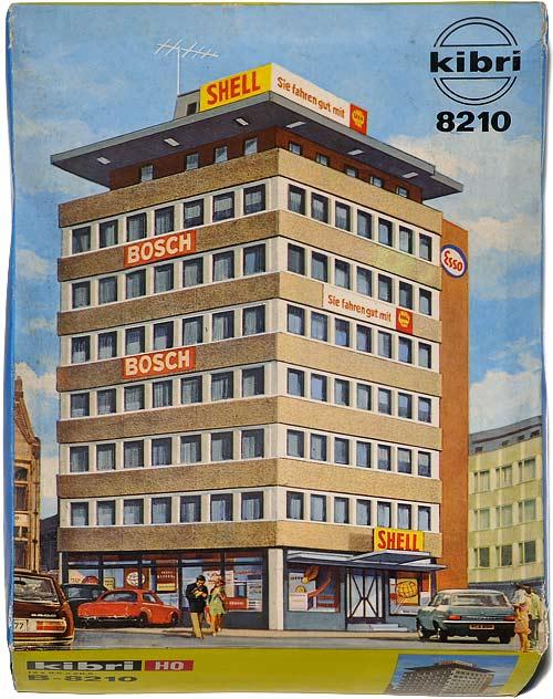 8210 KIBRI | H0 GEBÄUDE FÜR EINE STADT MODELLBAHN | HO BUILDINGS FOR AN URBAN MODEL RAILROAD | 1:87 BY-BYGNINGER TIL MODELLJERNBANEN | Foto: 0rvik