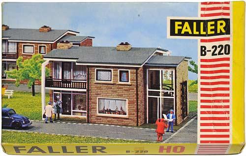 220 FALLER | ZWEIFAMILIENHAUS | HOME | VERTIKALDELT BOLIGHUS | Foto: 0rvik