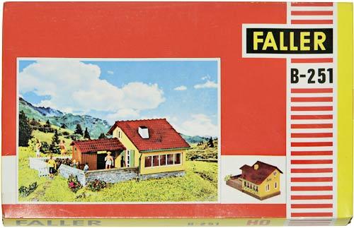 FALLER B-251 | HAUS | FERIEHUS | Foto: 0rvik