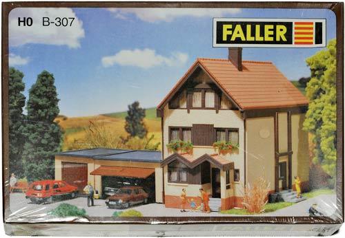 FALLER B-307 | TERRASSEHUS MED GARASJER | Foto: 0rvik