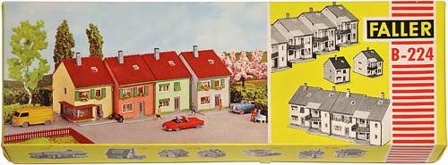 224 FALLER | STADTHÄUSER | ATTACHED HOUSE | REKKEHUSKVATAL | Foto: 0rvik