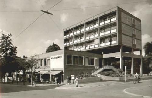 WEINHEIM VOLKSBANK BANK BERGSTRAßE | VORBILD | THE REAL BUILDING | FORBILDE | Foto: Postkort