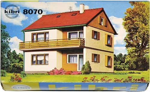 8070 | ZWEIFAMILIENHAUS | TWO FAMILY HOUSE | VERTIKALDELT BOLIG | Foto: 0rvik