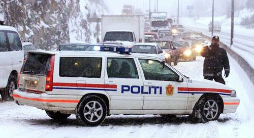 NORSK POLITIBIL | NORWEGISCHEN POLIZEIFAHRZEUGE| NORWEGIAN POLICE CAR| Foto: Teknisk Ukeblad