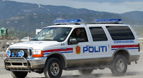 NORSK POLITIBIL | NORWEGISCHEN POLIZEIFAHRZEUGE| NORWEGIAN POLICE CAR| Foto: Bilforumet